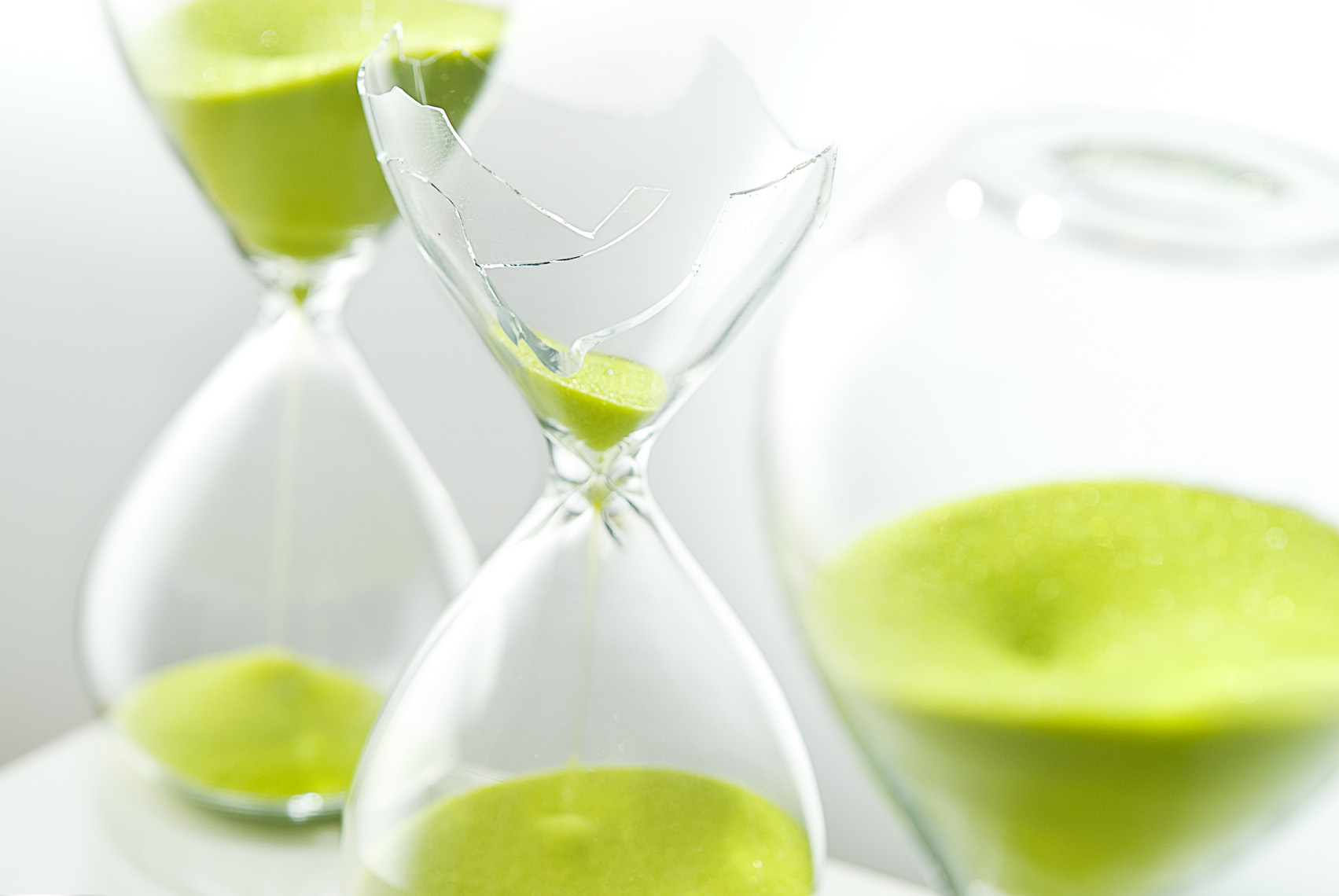 Green_CB2_Hourglass_Broken