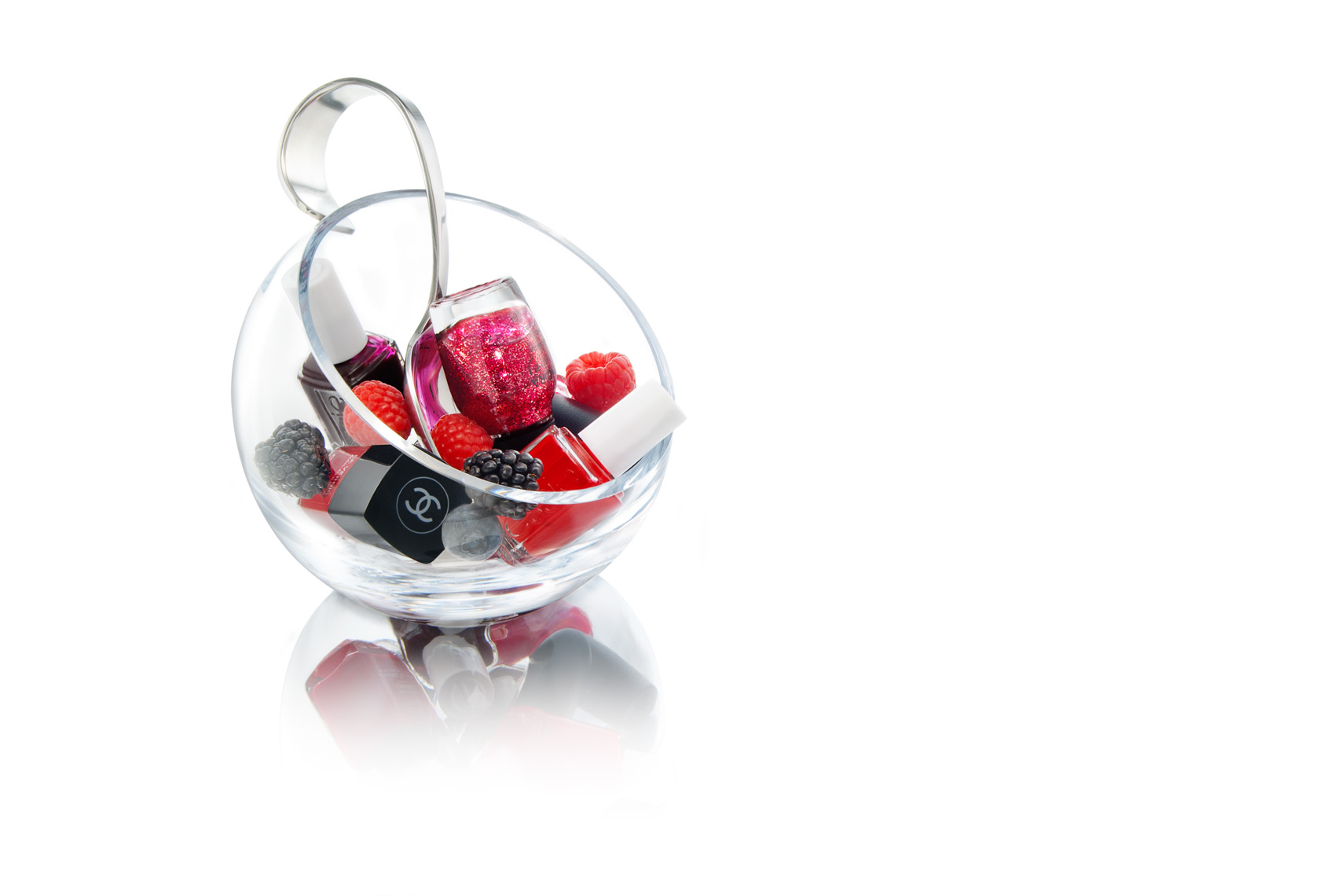 Nail_Polishes_In_Bowl_with_Berries